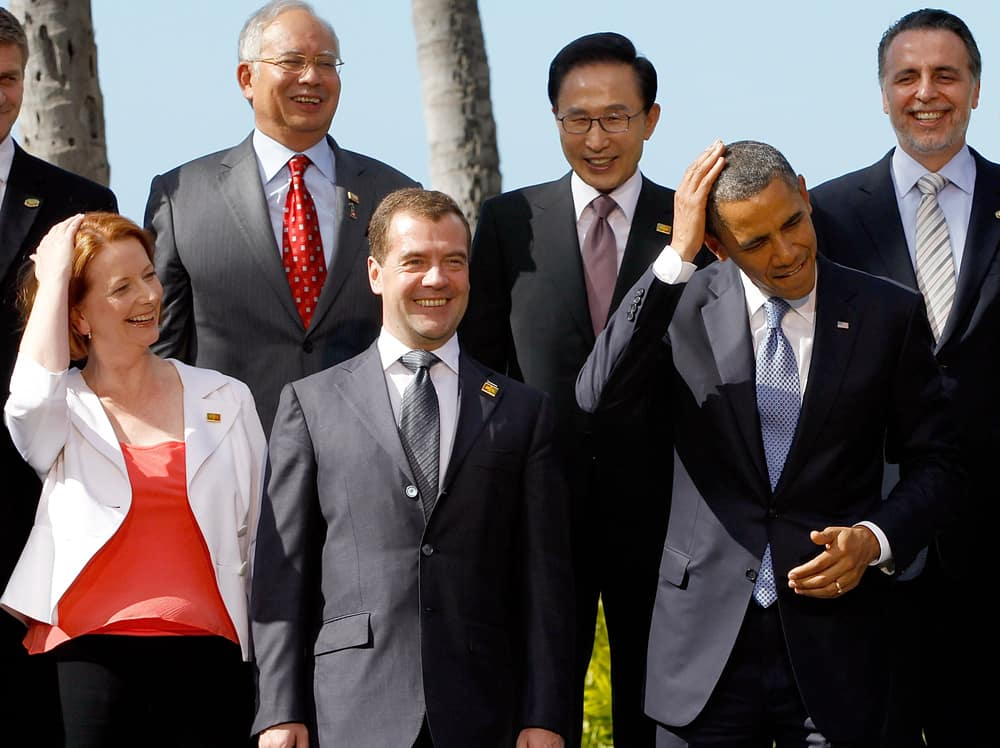 Julia Gillard showing respect for Barack Obama by playful mirroring